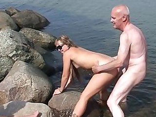 Beach Blowjob Big Cock Double Penetration Granny Hooker Old and Young Outdoor