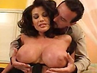 Awesome Boobs Brunette Cougar Housewife Mammy Mature MILF